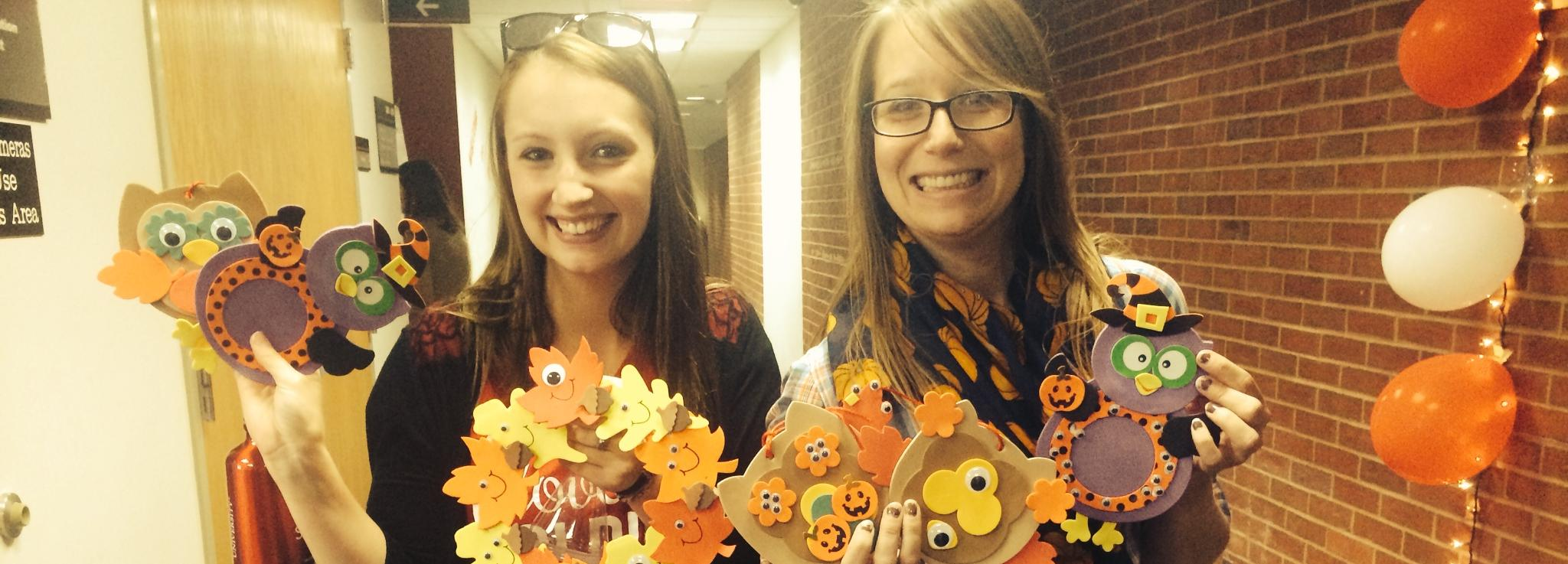 Fun craft owls at Good Neighbor event